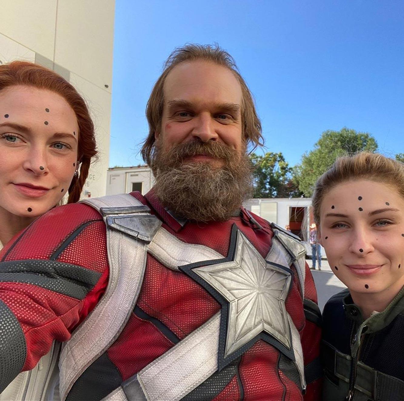 David Harbour on the set of Black Widow with Natasha and Yelena stunt doubles