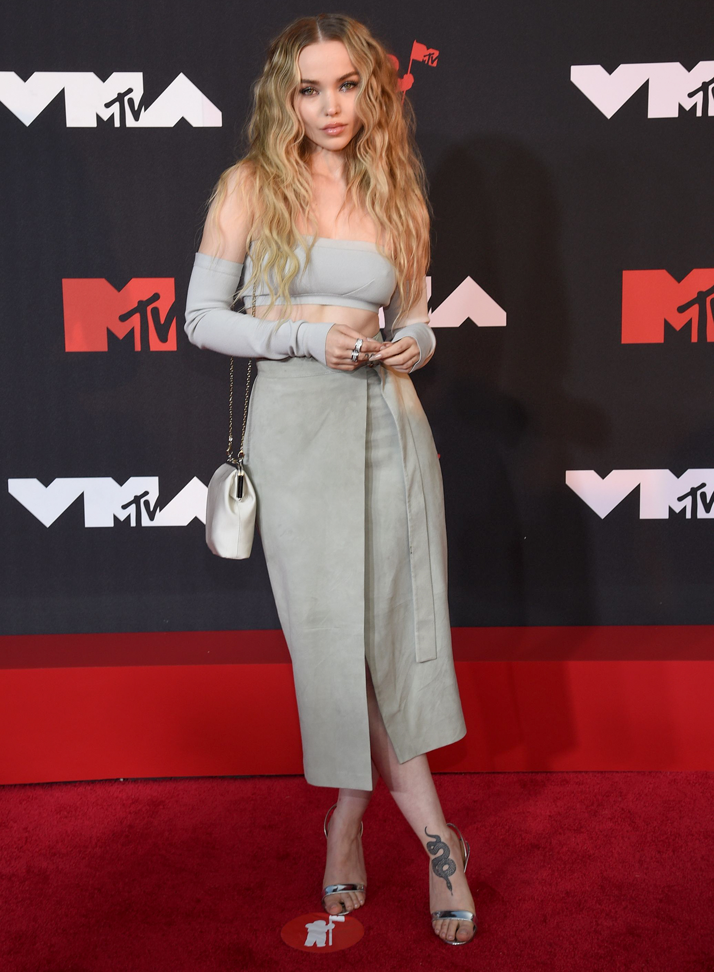 Dove Cameron arrives at the 2021 MTV Video Music Awards