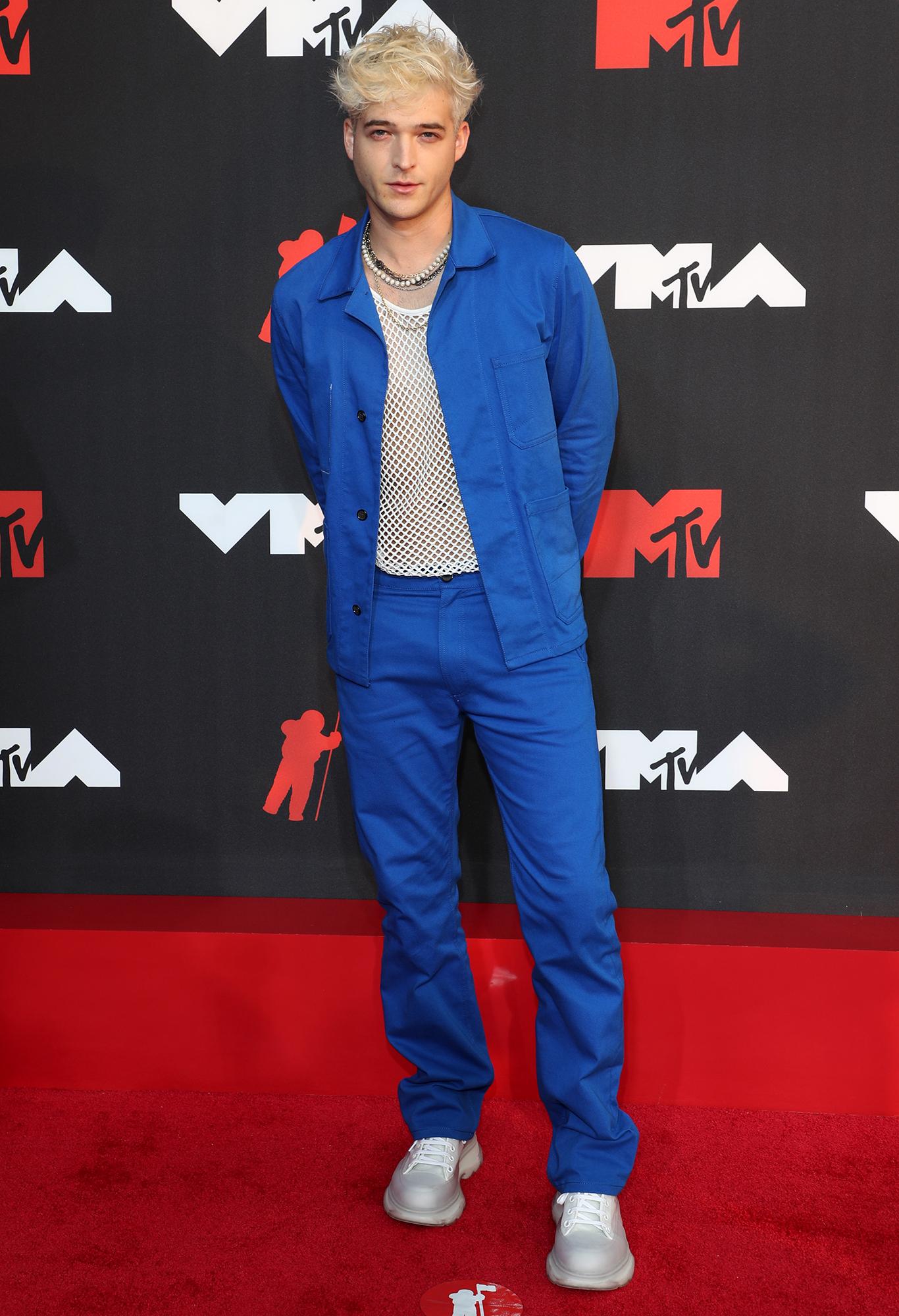 Eben arrives at the 2021 MTV Video Music Awards