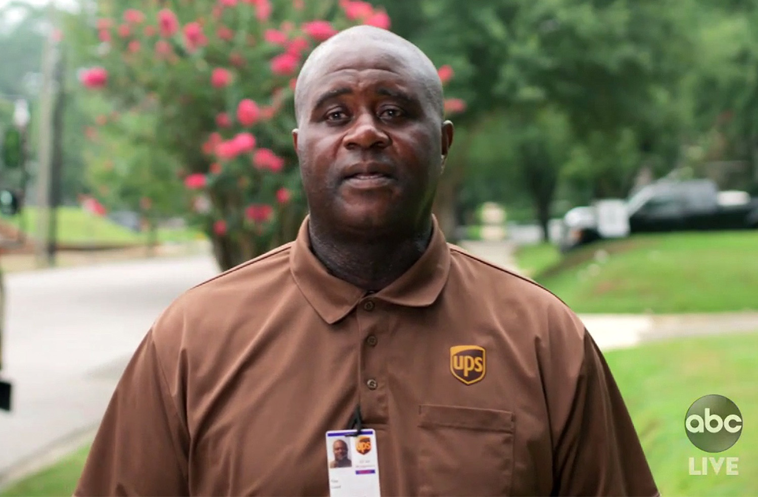 Tim Lloyd, a UPS worker from Alabama, presented the award for outstanding performance by a comedy actress