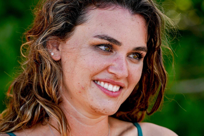 Sara Wilson competes on SURVIVOR