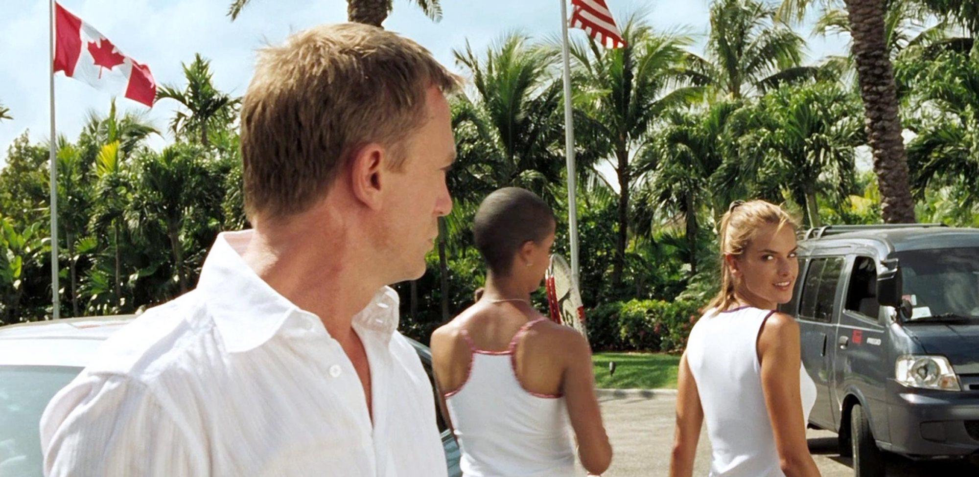 Bond Cameos Alessandra Ambrosio in Casino Royale