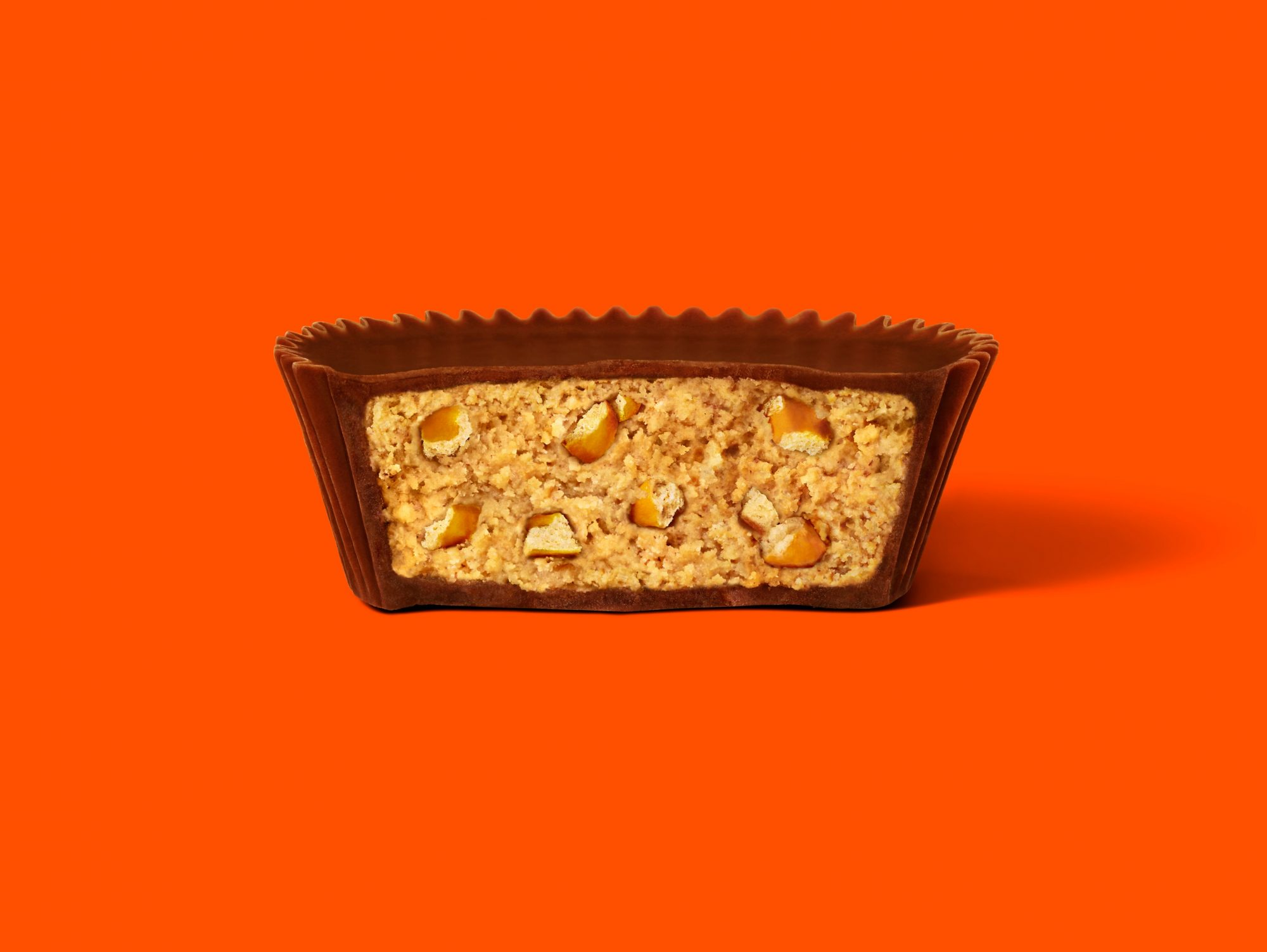 reese's big cups with pretzels interior shot