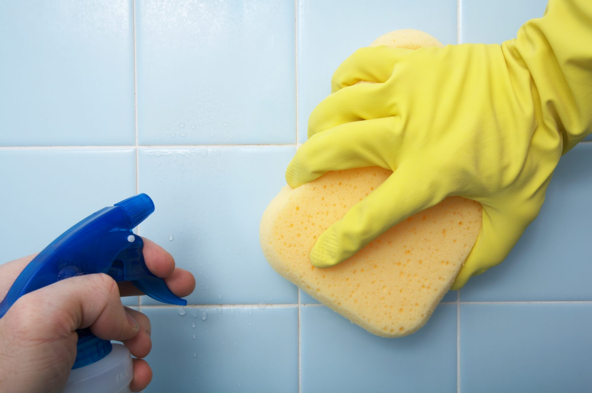 how to clean mold, sponge cleaning tile