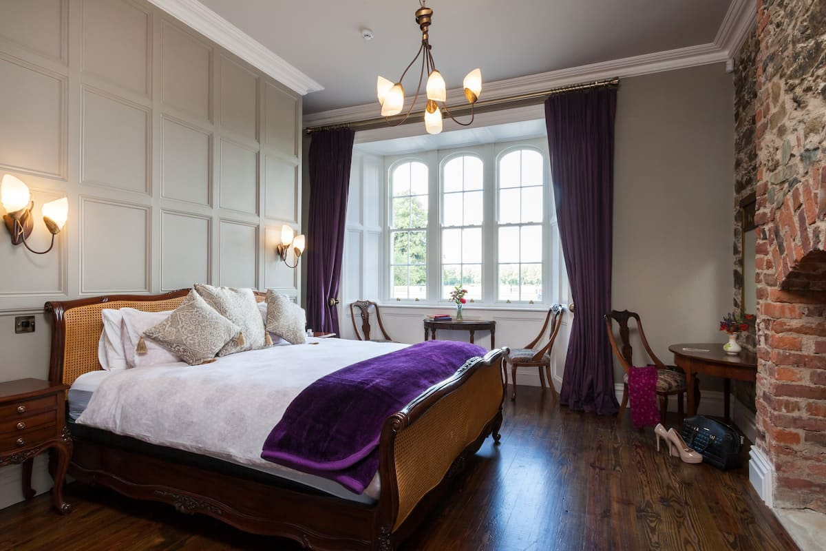 Bridgerton Castle to Rent, bedroom with curtains