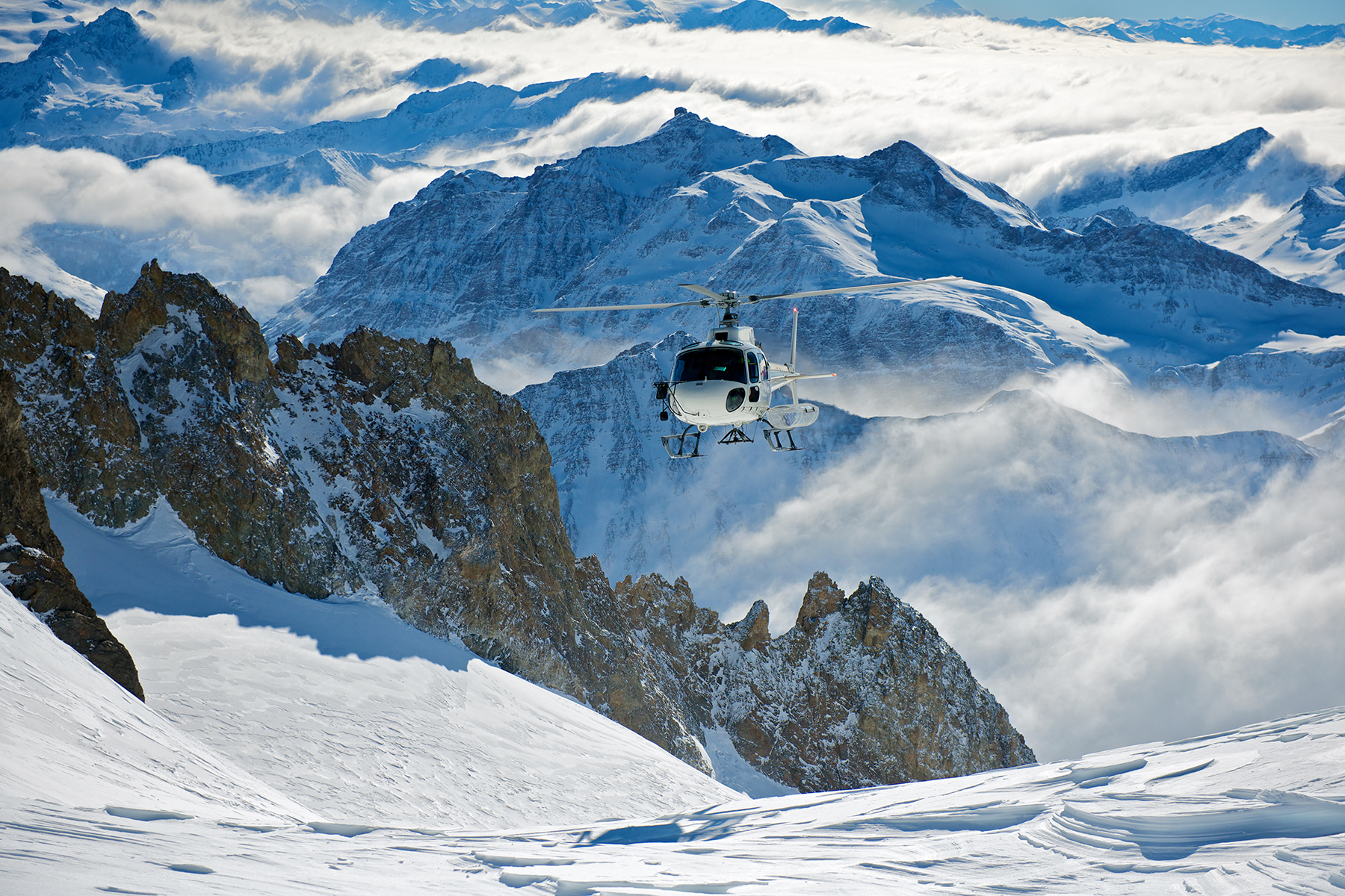Helicopter Skiing in the Alps