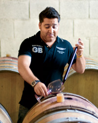 images-sys-201010-a-sommelier-raul.jpg