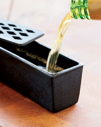 Cast-iron humidifiers from Moistly Grilled