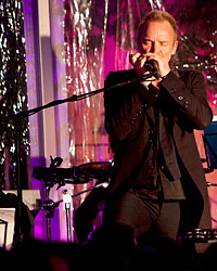 images-sys-201102-a-pairings-sting-closeup.jpg