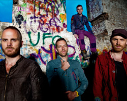 201201-b-coldplay-bbe-dinner1.jpg
