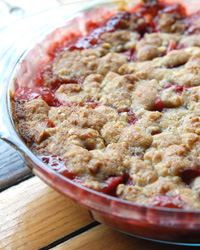 Early Summer Strawberry-Rhubarb Crumble