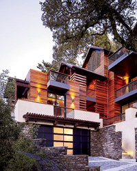 An Eco-House with Hotel Style