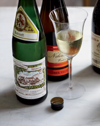 images-sys-201201-a-wine-road-trip-white-wine.jpg