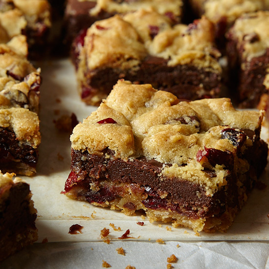 Gooey Chocolate-Chip Sandwich Bars
