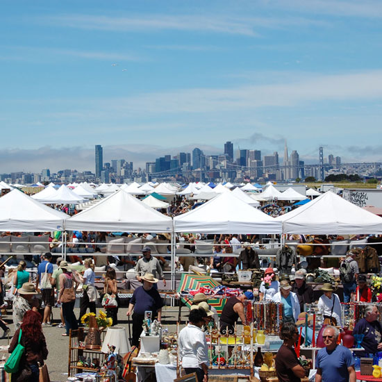 Flea Markets: Alameda Point Antiques and Collectibles Faire, San Francisco, CA