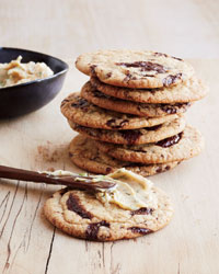 Chocolate-Chip Cookies with Red Miso Buttercream