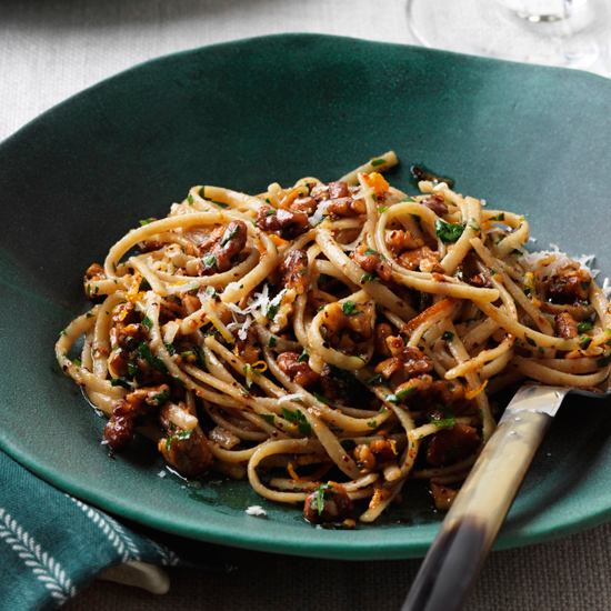 Whole-Wheat Linguine with Walnuts, Orange and Chile