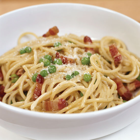 Spaghetti Carbonara with Green Peas