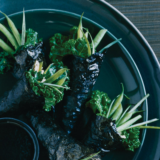 Nori Hand Rolls with Kale and Green Beans