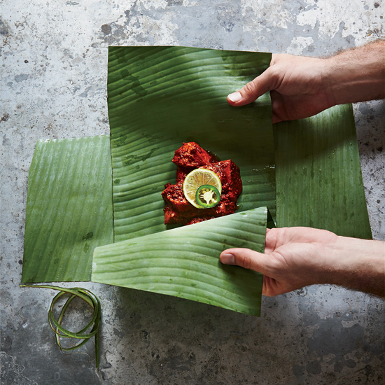Banana Leaf Wraps: Arrange
