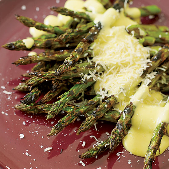 Fast Mario Batali Recipe: Grilled Asparagus with Pepper Zabaglione
