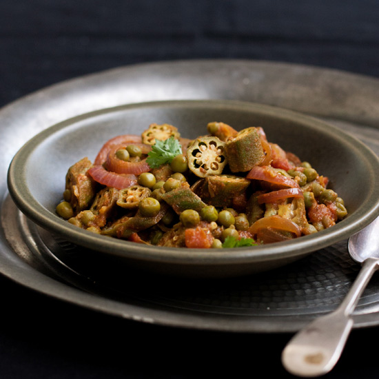 Okra and Green-Pea Curry