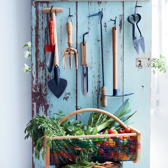 HD-201308-a-vegetables-now-garden-tools.jpg