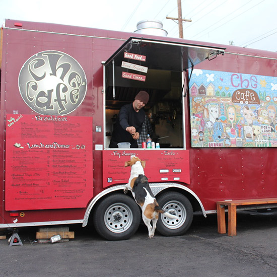 Dogs Dining Out: Che Café; Portland
