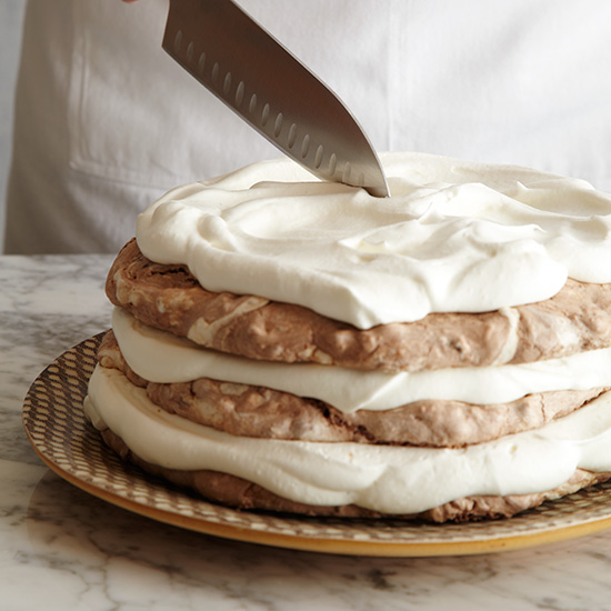 How to Make a Meringue Cake: Cut into wedges