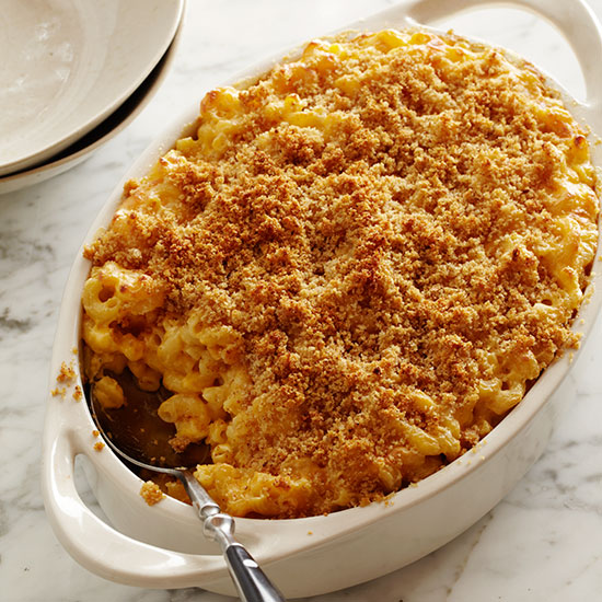 How to Make Macaroni and Cheese: Serve
