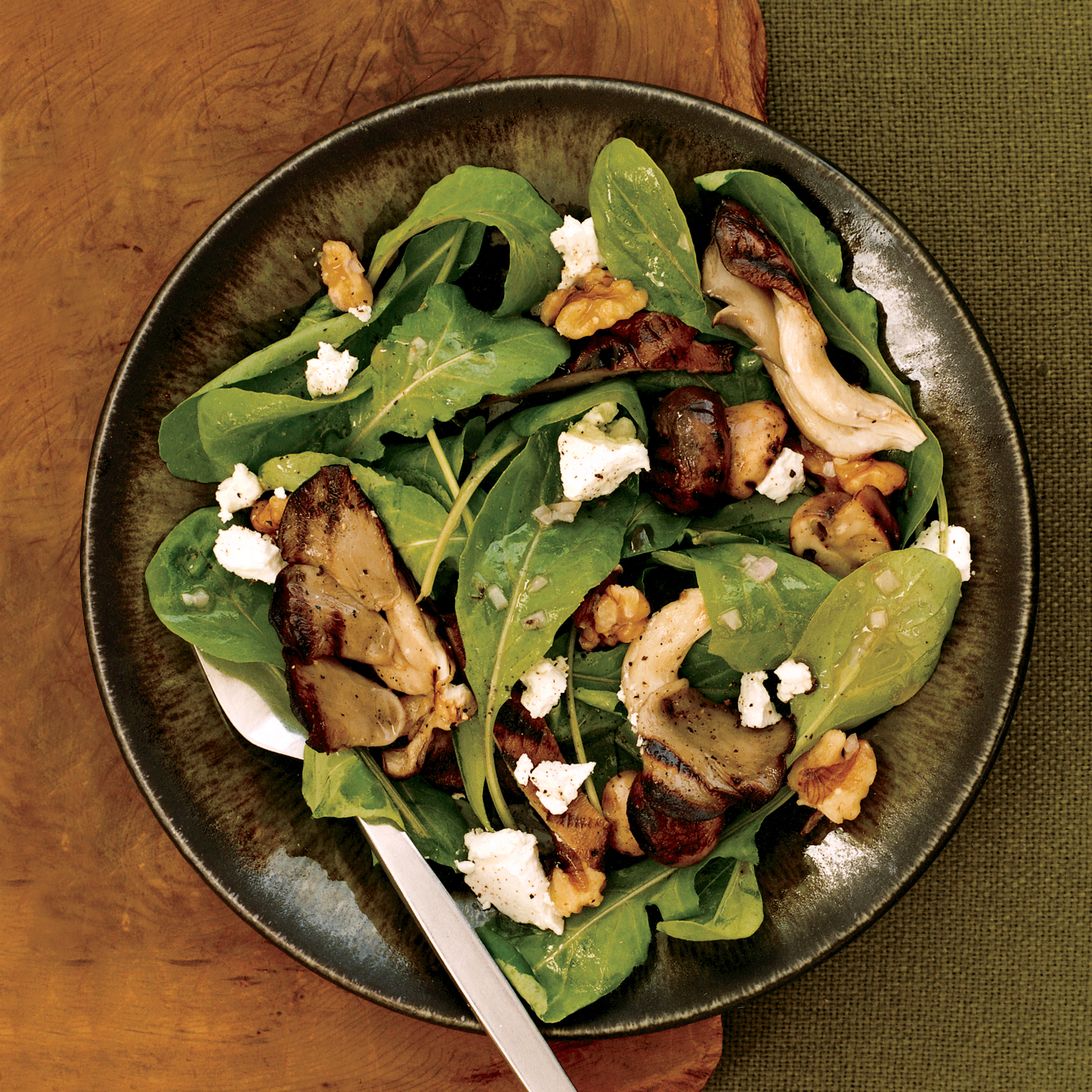 Arugula Salad with Grilled Mushrooms and Goat Cheese