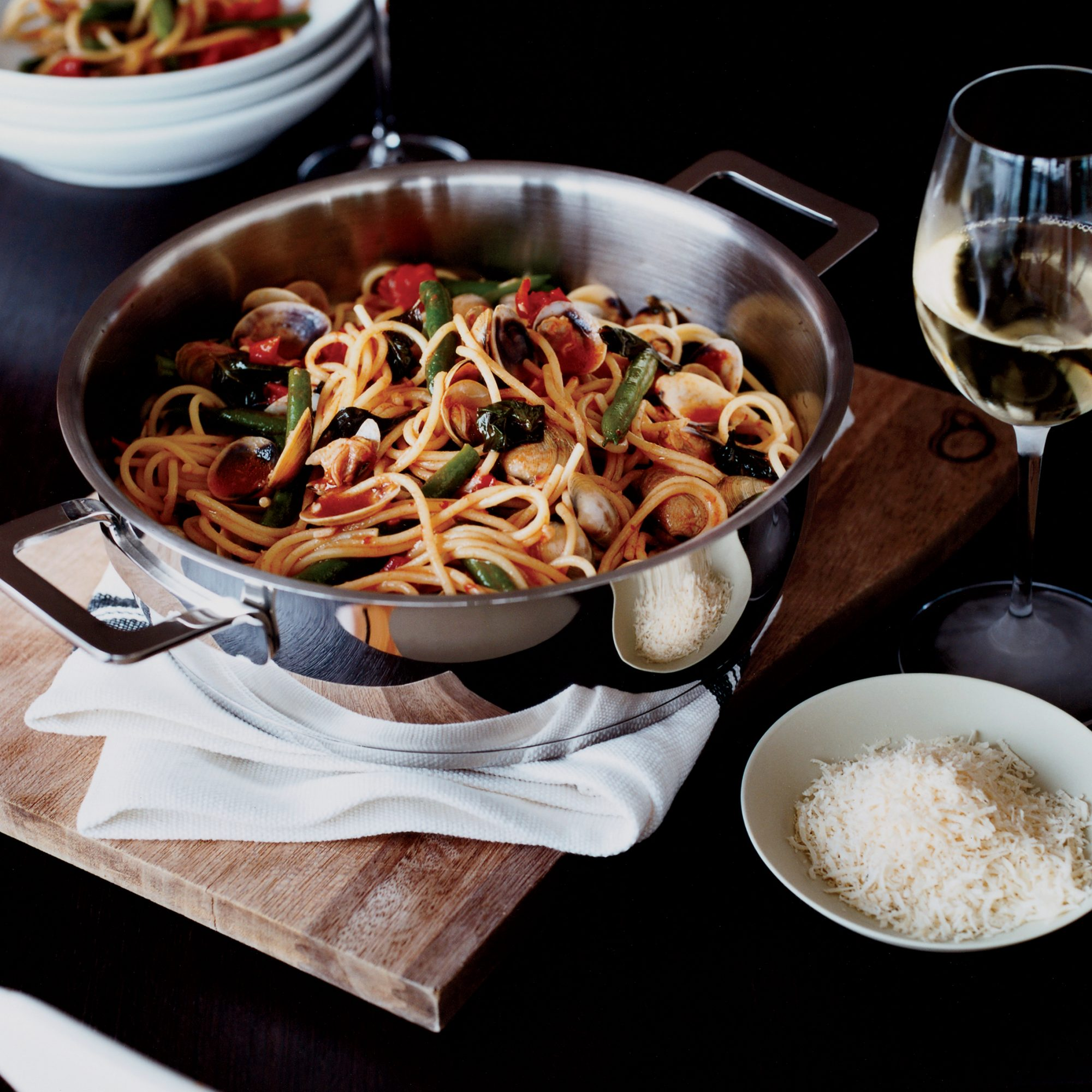 Spaghetti with Clams and Green Beans