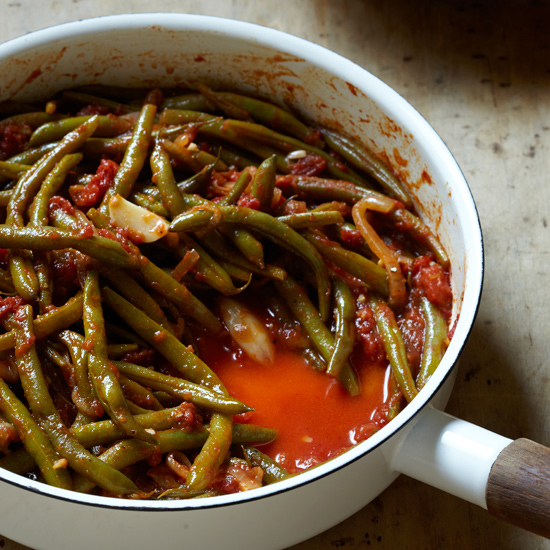 Braised Green Beans with Tomatoes and Garlic