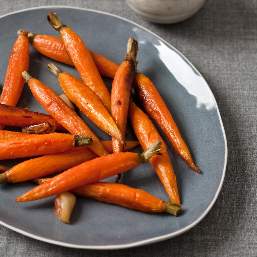 Whole Roasted Carrots with Garlic