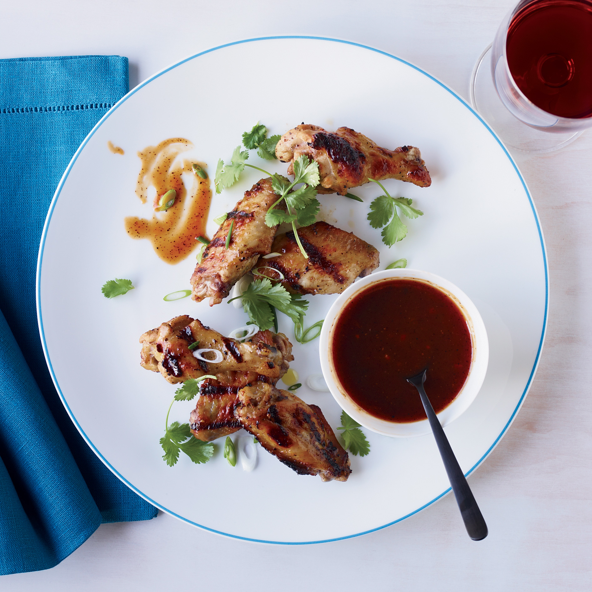 Chicken Wings with Molasses Barbecue Sauce