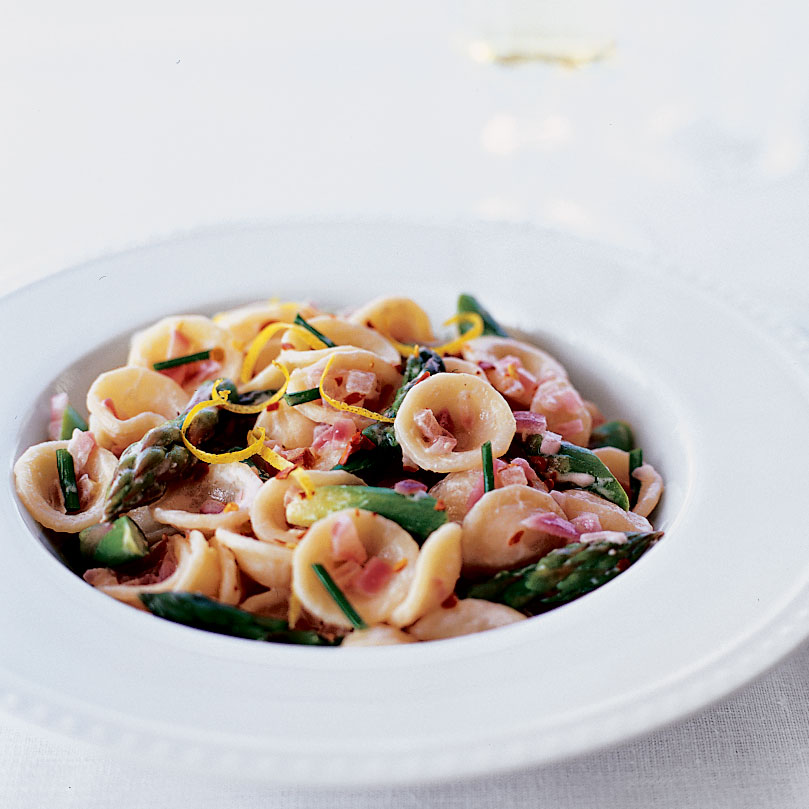 Creamy Goat Cheese and Asparagus Orecchiette