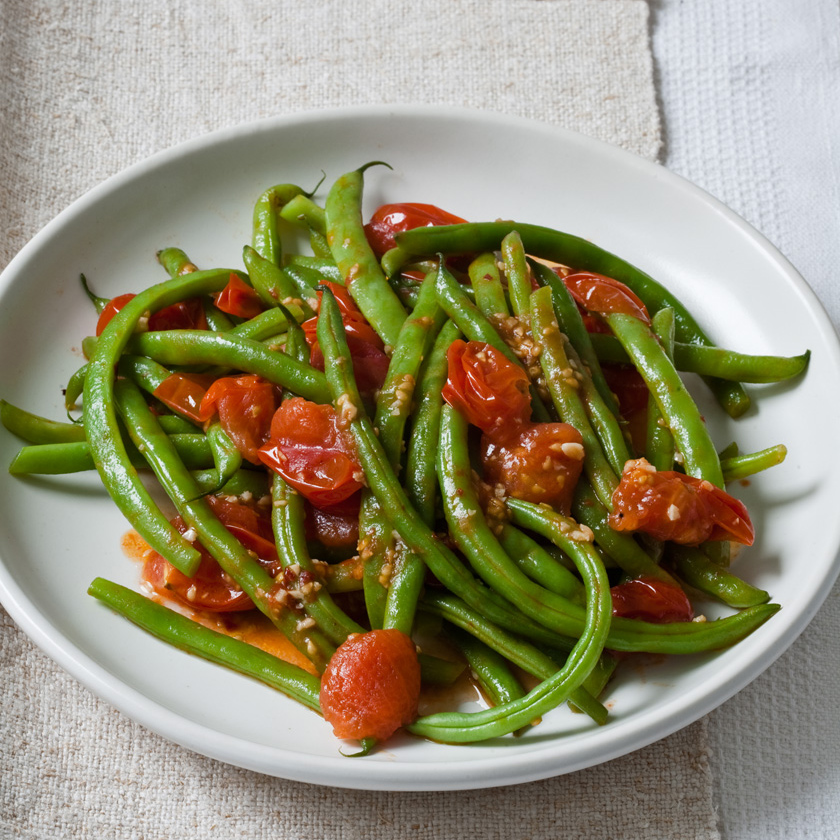 Green Beans in Cherry Tomato Sauce