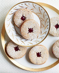images-sys-201012-r-linzer-cookies.jpg