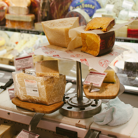 Minneapolis Photo Tour: Surdyk's Liquor Store and Gourmet Cheese Shop