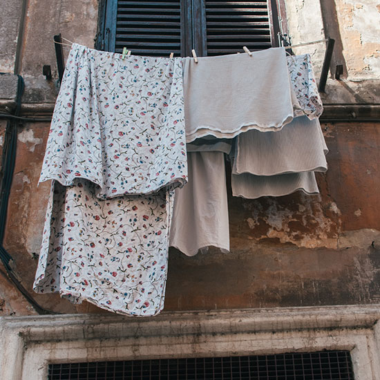 Rome Photo Tour: Laundry Out to Dry