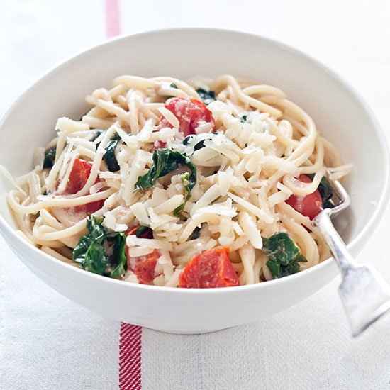 Spaghetti with Spinach, Tomatoes and Goat Cheese
