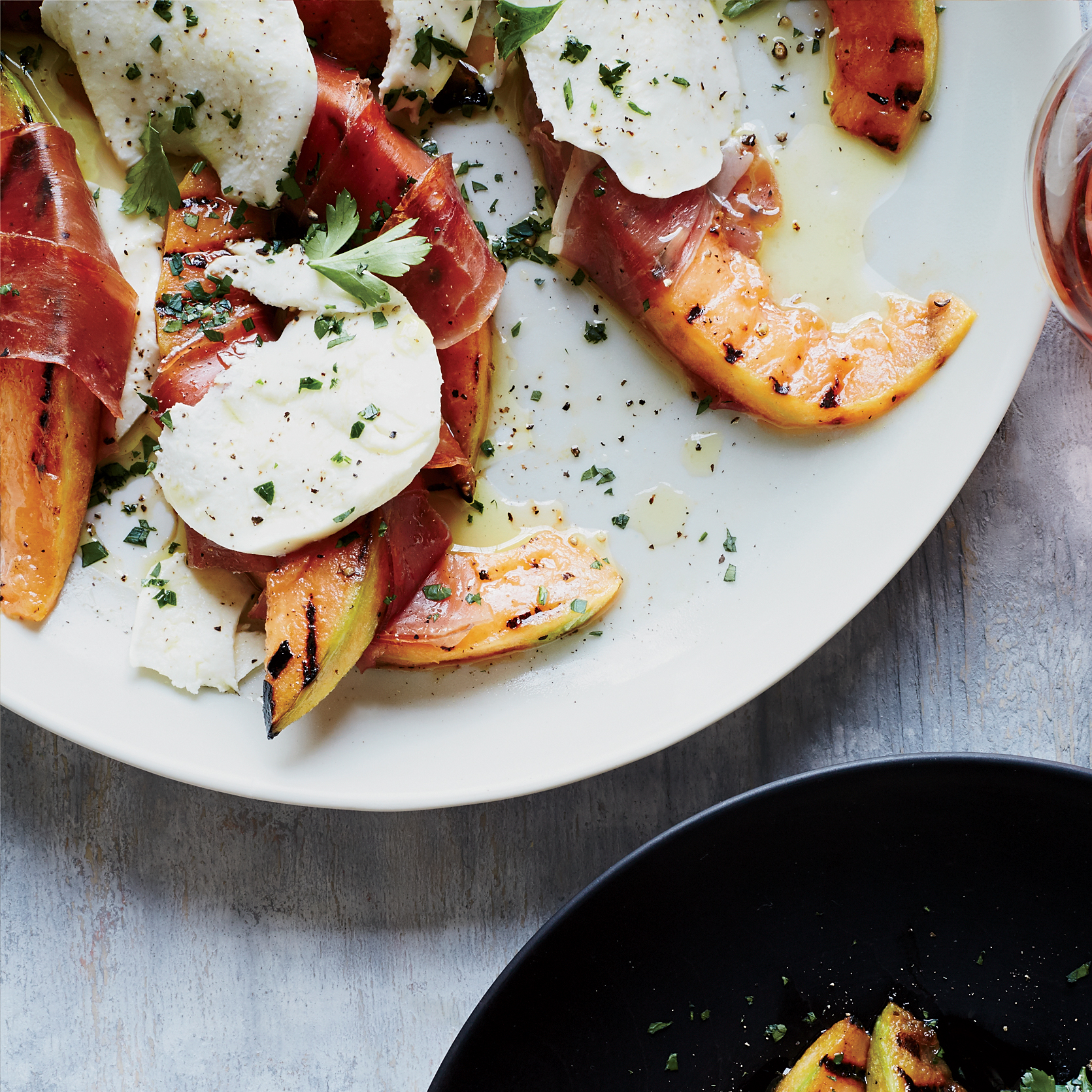 Grilled Cantaloupe with Prosciutto and Mozzarella