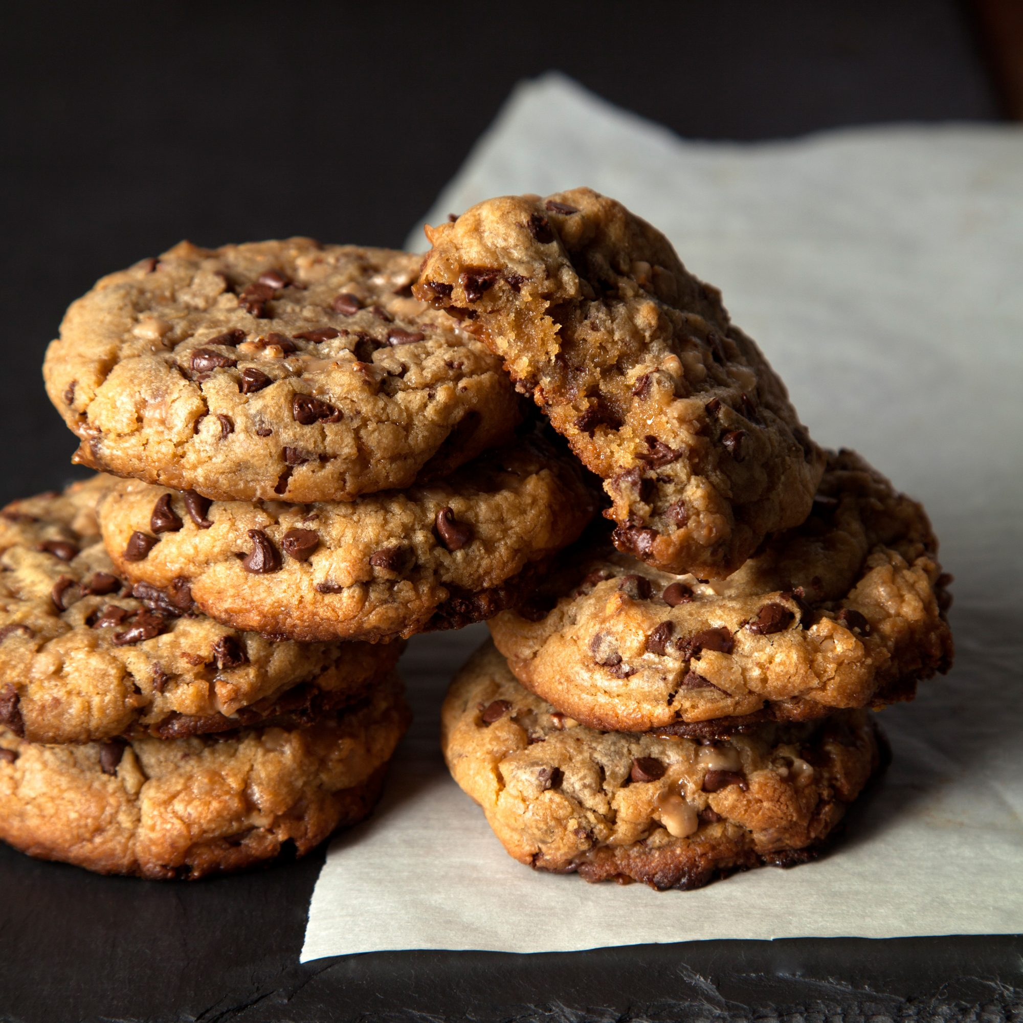 Big Bakery-Style Mini Chocolate Chip Toffee Cookies