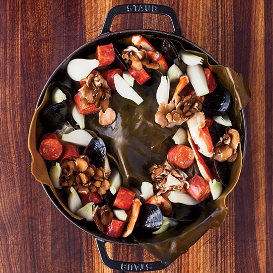 How to Throw a Clambake: Assemble