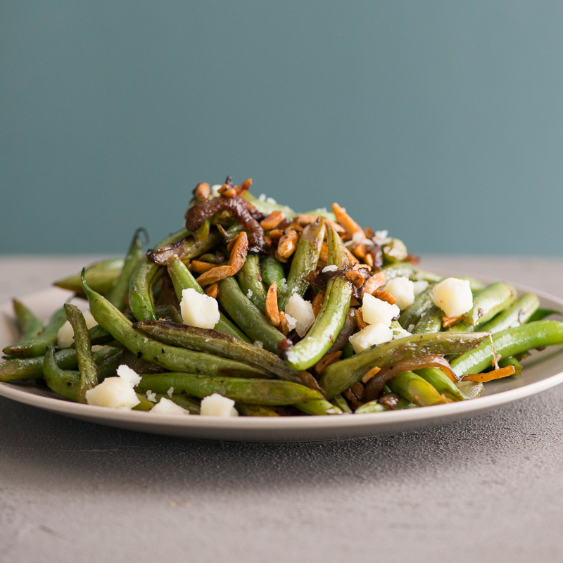 Stir-Fried Green Beans with Almonds and Manchego Cheese