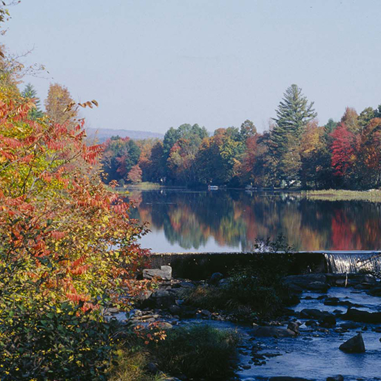 original-201410-HD-fall-foliage-lake.jpg