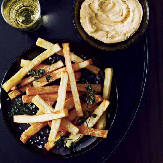 Hand–Cut Fries with Smoked Aioli