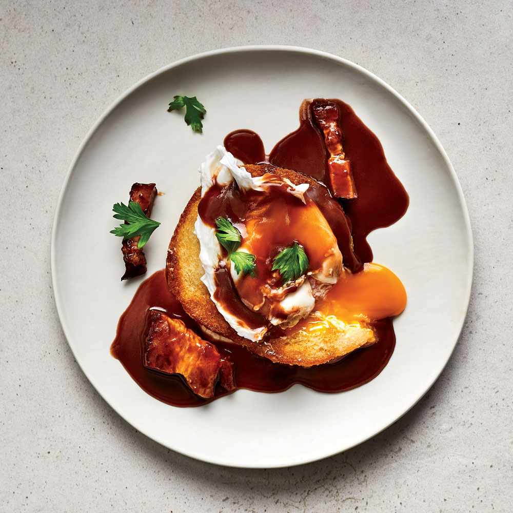 Poached Eggs with Red Wine Sauce