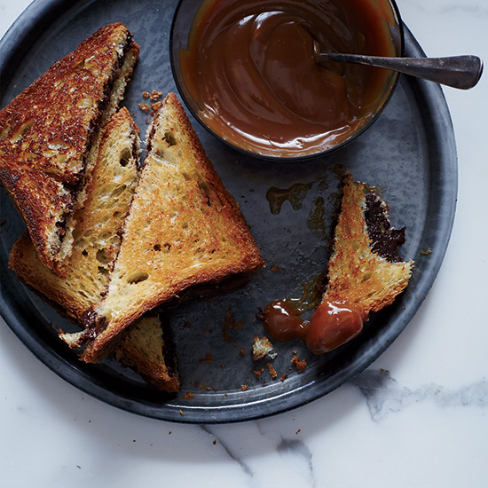 Grilled Chocolate Sandwiches with Caramel Sauce