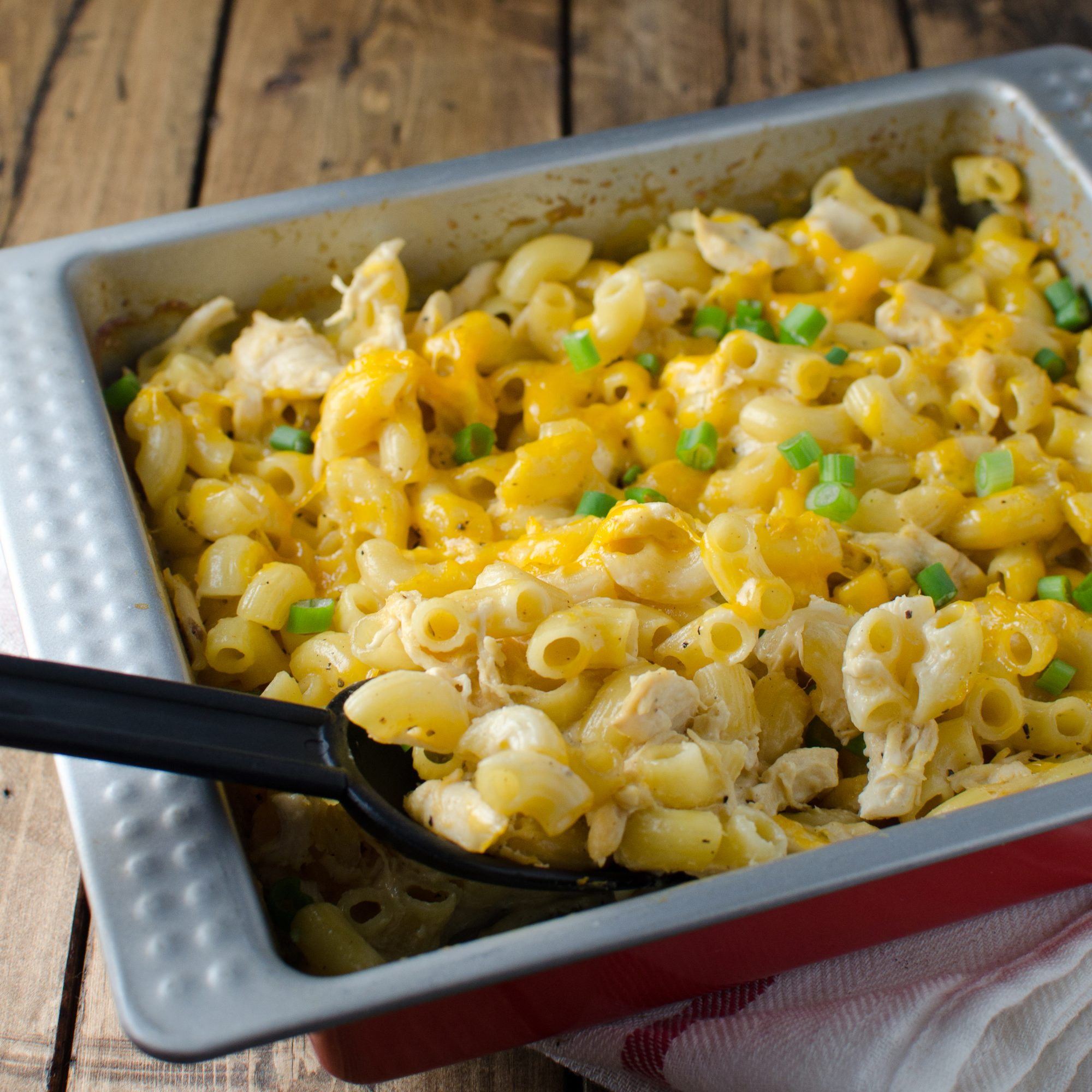 Cheesy Macaroni Chicken Casserole